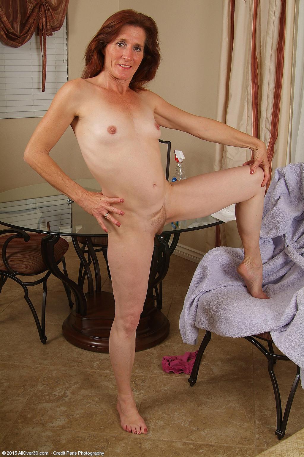 pic Mature nude women